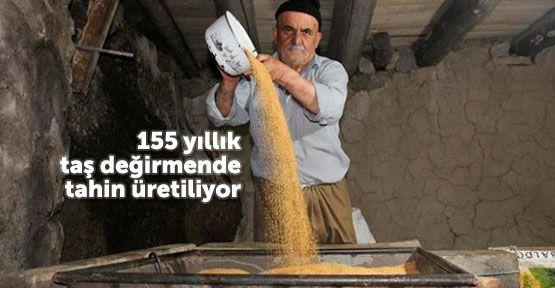 155 yıllık değirmende tahin üretimi
