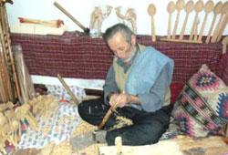 Teknolojiye inat tahta kaşık üretiyor