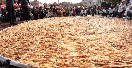 Bu börek tam 650 kilo