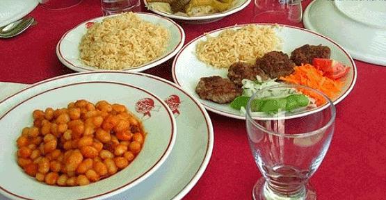 Hangi ülke öğle yemeğinde ne yiyor