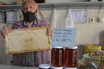 Bal Dede: 63 yıldır bal satıyor!