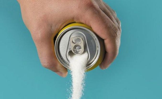 Şekerli içecek kanser riskini arttırıyor